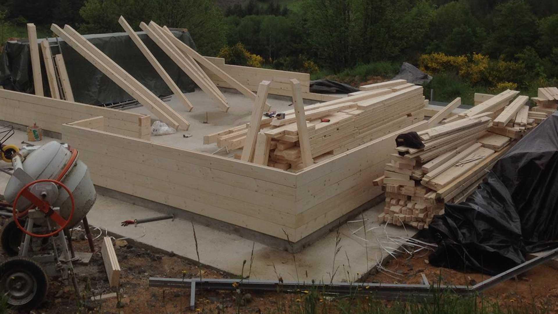 techniques de construction bois sur bois albussac corr ze. Black Bedroom Furniture Sets. Home Design Ideas